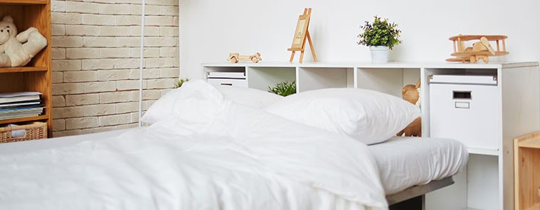 lit dans une chambre